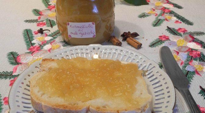 Marmellata di mele speziata