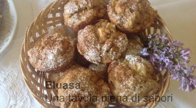 Muffin alla mela con cuore di marmellata