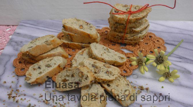 Cantuccini salati con pistacchi