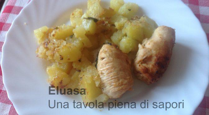 Involtini di petto di pollo con patate al forno