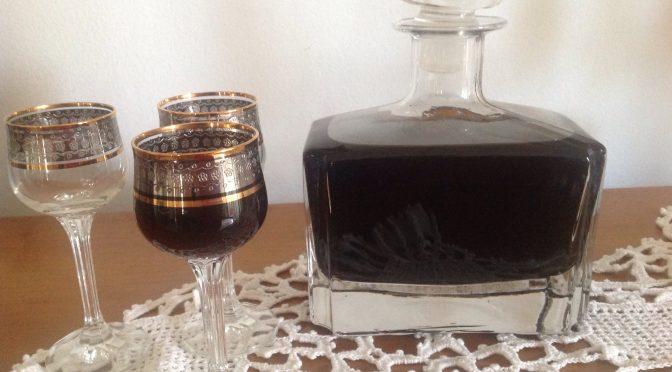 Nocino, liquore fatto in casa