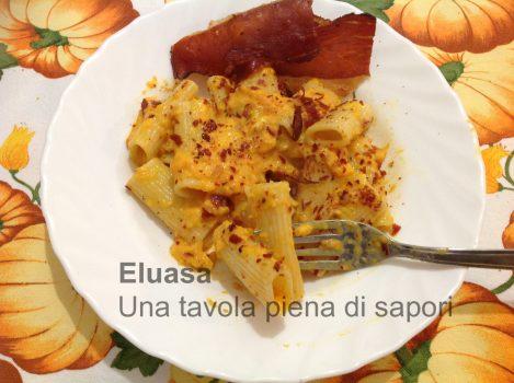 piatto di rigatoni con crema di zucca