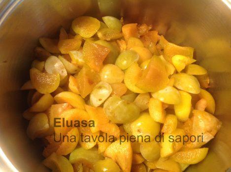 frutta tagliata a pezzetti