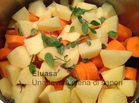 verdure e zucca tagliata a pezzetti
